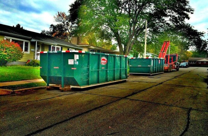 Commercial Dumpster rental services-Fresno Dumpster Rental & Junk Removal Services-We Offer Residential and Commercial Dumpster Removal Services, Portable Toilet Services, Dumpster Rentals, Bulk Trash, Demolition Removal, Junk Hauling, Rubbish Removal, Waste Containers, Debris Removal, 20 & 30 Yard Container Rentals, and much more!