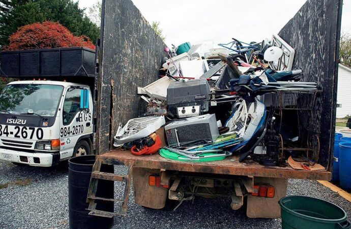 Junk Hauling-Fresno Dumpster Rental & Junk Removal Services-We Offer Residential and Commercial Dumpster Removal Services, Portable Toilet Services, Dumpster Rentals, Bulk Trash, Demolition Removal, Junk Hauling, Rubbish Removal, Waste Containers, Debris Removal, 20 & 30 Yard Container Rentals, and much more!