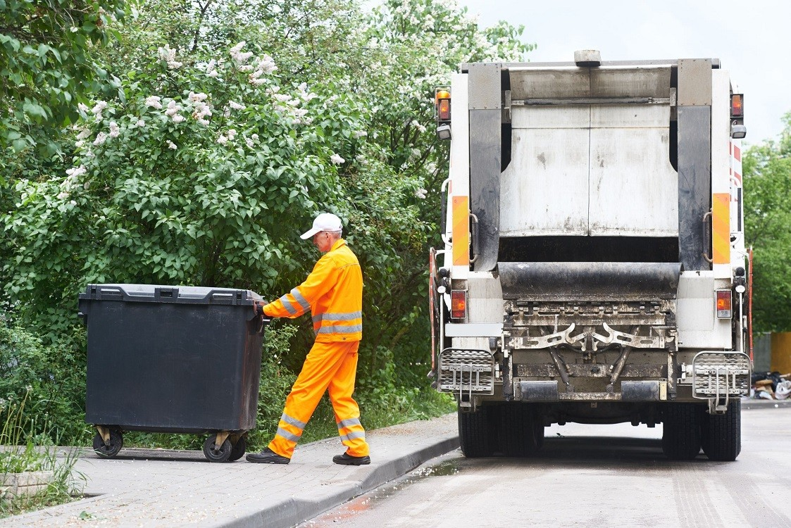 Clovis-Fresno Dumpster Rental & Junk Removal Services-We Offer Residential and Commercial Dumpster Removal Services, Portable Toilet Services, Dumpster Rentals, Bulk Trash, Demolition Removal, Junk Hauling, Rubbish Removal, Waste Containers, Debris Removal, 20 & 30 Yard Container Rentals, and much more!